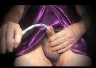 shemale girt uretral en violet