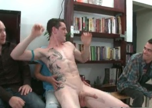 Group of horny guys sting for stripper cock