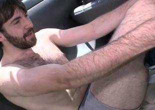 Taking hunk lured into having blowjob with homo
