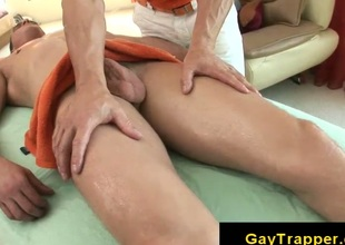 Massage gives straight client a handjob