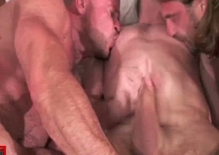Way-out gay bareback fucking