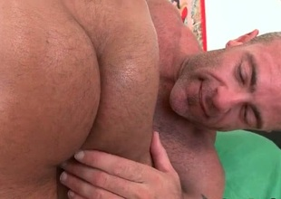 Massage tart gets his fine botheration fucked