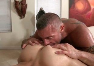Gay hot dude gets his butt barebacked chiefly massage table